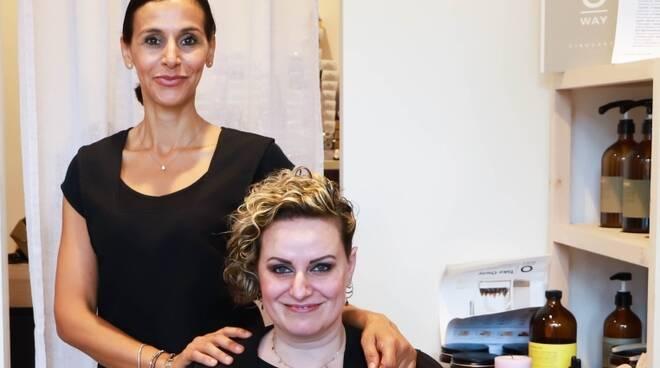 Parrucchiera di Cesenatico regala shampoo e maschere a 50 donne, per essere belle anche al tempo del Covid